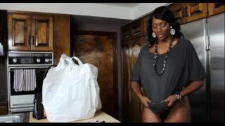 mujer madura negra tetona se folla a los amigos de su hijo videos de maduras xxx