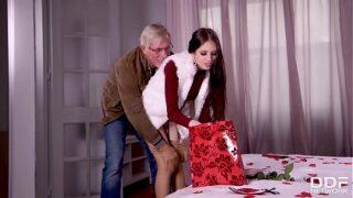 Sexo Anal Por San Valentin con su Viejo Suggar Daddy